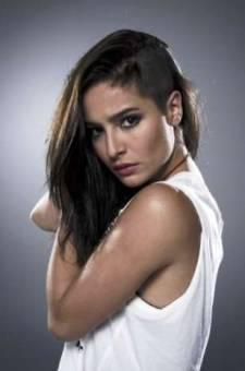 Brenda Asnícar (Juana Carbajal)