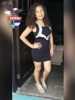 Candidata a Reina de las Flores 9no Grado Marihan Rodriguez