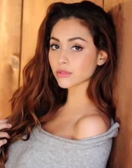 Lindsey Morgan (Raven Reyes(