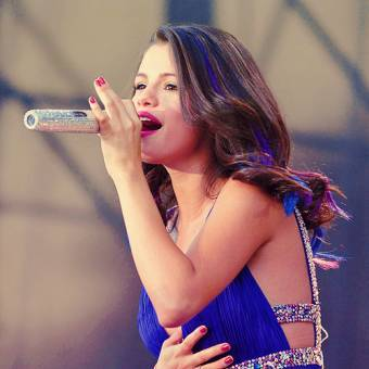 por ser buena cantante