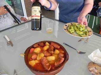 Patatas a la riojana con guindillas ( Montse)