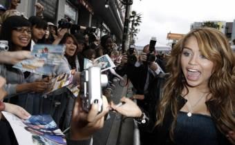 Miley Cyrus (Smilers).