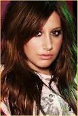 La mas o menos Ashley Tisdale
