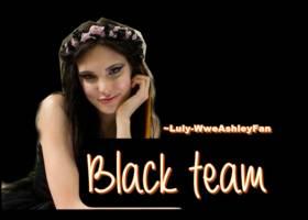 Macarena Achaga black ponys