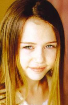 Ahora estoy con Miley_Fan aqui.