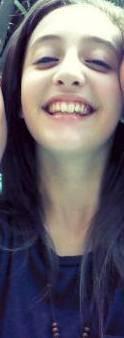 Por su linda sonrisa
