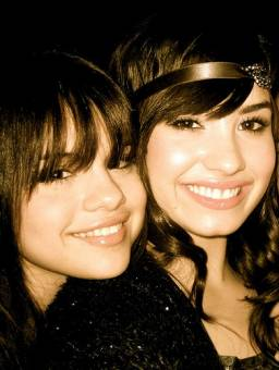 Demi y selly (Delena)
