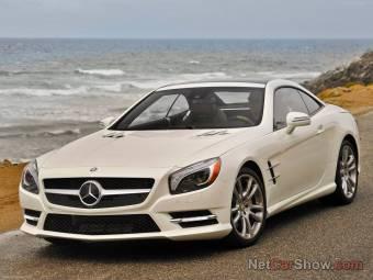 Mercedes Benz SL550  $ 229.775
