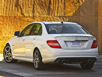 Mercedes Bnez C63 AMG  $ 101.929