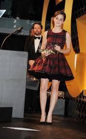 La Preciosa Hermonie Osea Emma Watson Con Un Vestido De Cuadros ¿Cuando? En el 2011 a sus principio de año