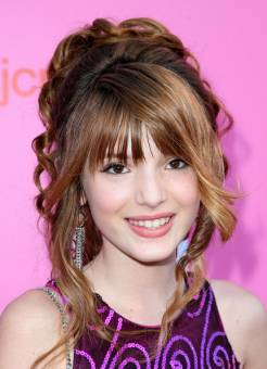 es la mayor fan de anabell avery thorne,la famosa bella thorne.