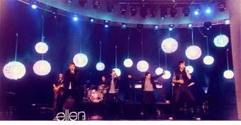 "Big Time Rush haciendo un Perfomance de su cancion ""Music Sounds Better with U"" en el famosos programa de Hollywood ""The Ellen Show"""