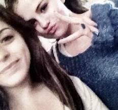 Selena Gomez Y Sus selenaticas