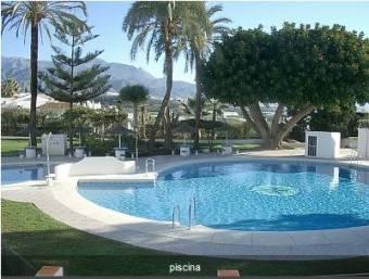 Casa Nerja 350€  http://www.homeaway.es/p456168?cid=E_haesownerinquiry_DB_O_20121102_propID_link_LPROP_1