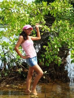 Tashira Guevara IV A (16 años)