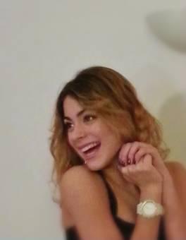 Soy mega-fan de Violetta (Martina Stoessel) Y GrupoVioletta,si quieren ser mis amigas mandenme un mensaje