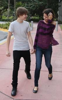 Selena( la m***** y p***** )  y Justin ( el amor de mi vidaa )