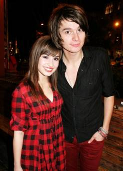 Demi y William beckitt