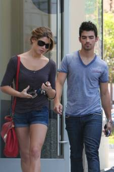 Joe jonas y ashley green