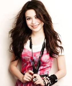 Miranda cosgrove...Actriz, cantante, compositora.