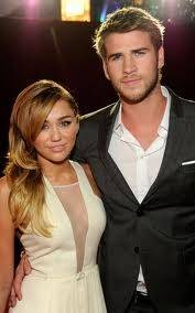 Miley Cyrus y Liam Hemsword