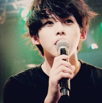 Dongho (Bailarin,rapero, maknae)