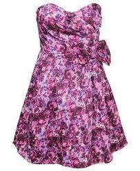 rosa con flores de violeta