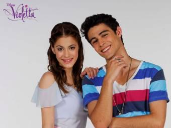 Pablo Espinoza y Martina Stoessel