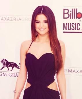Selena Gomez :)