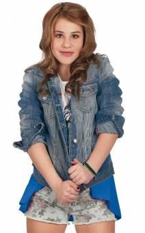 Lucia Gil (Lena)