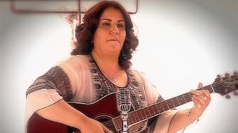 Silvia Fernandez - De El Equipo De Axel