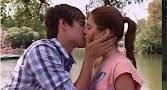 El beso con León