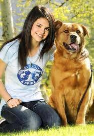 Selena y su perro
