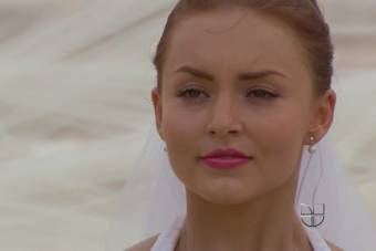 angelique boyer la reina