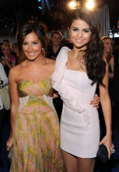 ashley tisdale y selena gomez