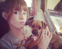 Bella thorne y su perro