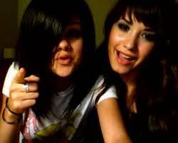 Sell Gomez y Demi Lovato