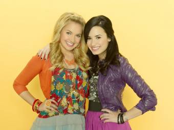 Demi Lovato y Tiffany Thornton