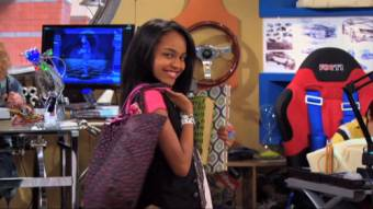 China Anne McClain-Chyna Parks-ANT farm