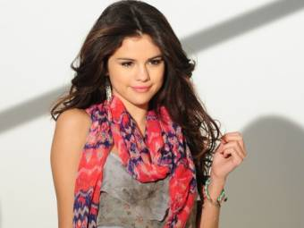 Selena Gomez -Sellylovers-