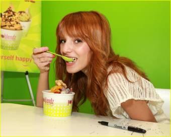A Bella le dicen rid�cula, y siempre ponen esta foto, �por que es ridicula? �por comer? o vaya pues cuando ustedes coman les diremos ridiculos