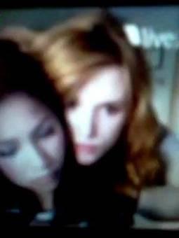 Bella Thorne y Zendaya Coleman. 2