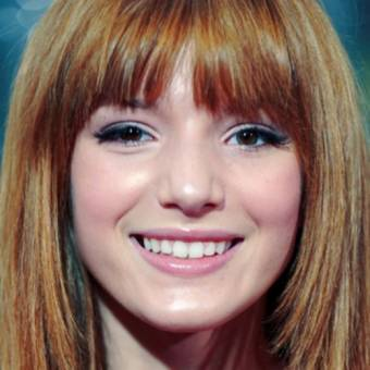 Bella Thorne. 7