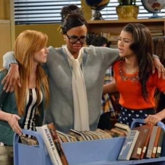 Ella en un episodio de shake it up