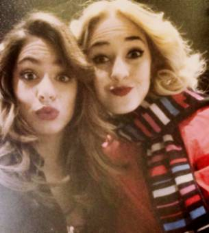 By: GrupoVioletta Official ✓