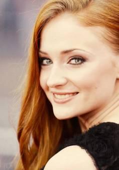 Sophie Turner. (Sansa Stark)