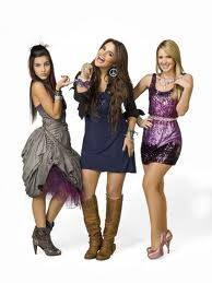 mia,mecha y grachi