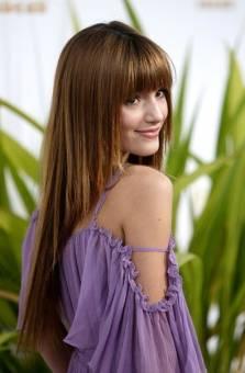 Bella thorne...Actriz, cantante , modelo, bailarina.