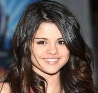 o La fea de Selena??