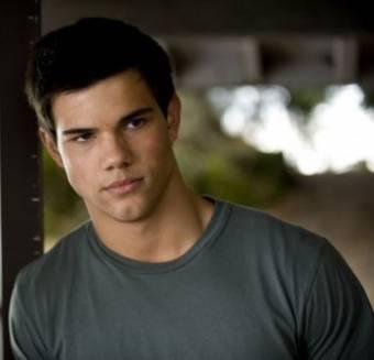 Taylor Lautner ♫